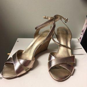 Gold wedge Nine West Criss Cross Sandals- 8